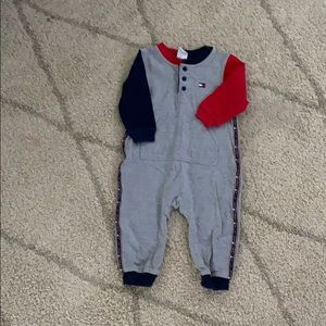 Tommy holdover onepiece jumper